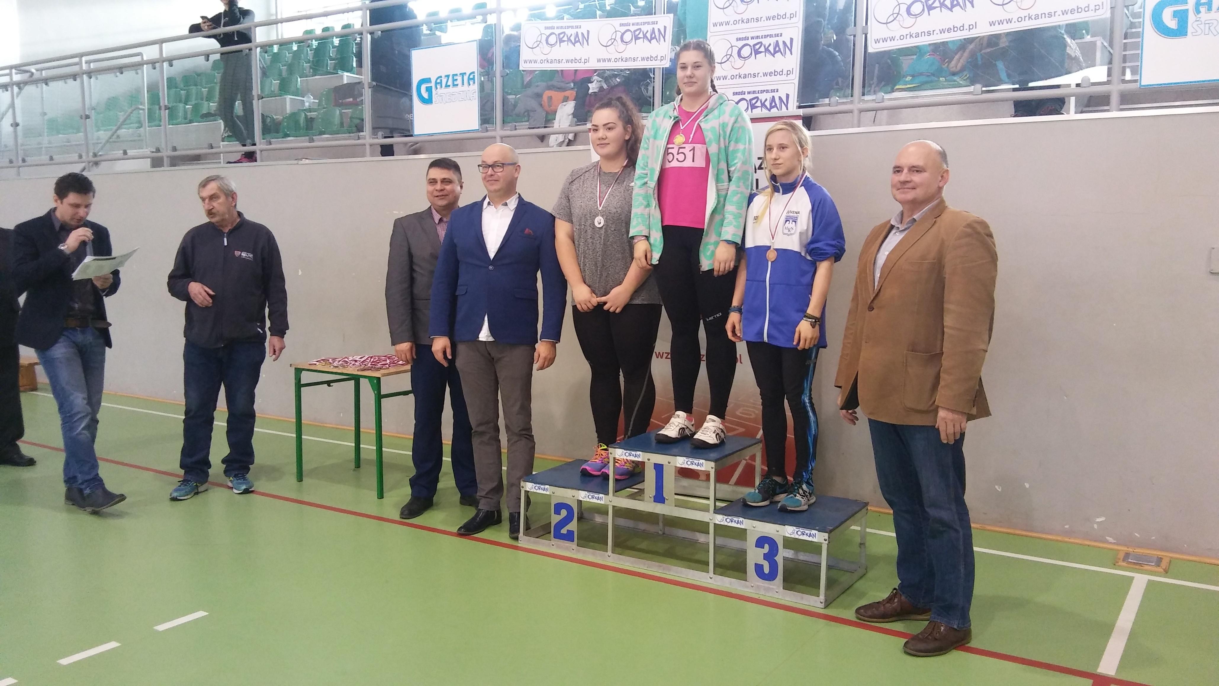 U18: 1m. Klocek Natalia 2m. Marchewka Weronika 3m. Kłosińska Lena
